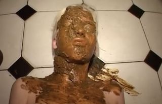 German scat eating girl Schnuckel Bea gets her face covered in shit